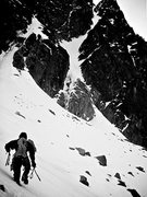 Rock Climbing Photo: The approach and a clear view of the couloir