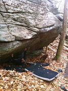 Rock Climbing Photo: On the starting hold of Regal Pooch