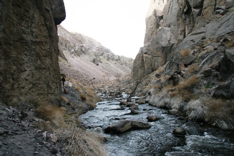 Rock Climbing Photo: The narrow section of the upper gorge looking nort...