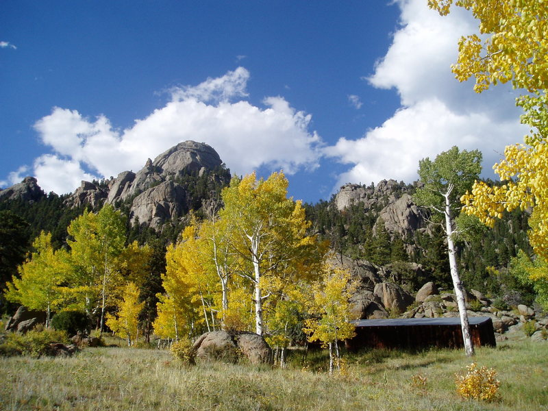 Rock Climbing Photo: Batman Rock and fall colors.