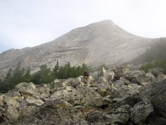 Rock Climbing Photo: The approach - well marked trail even across the s...