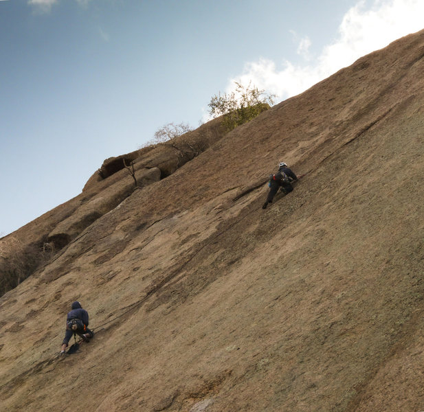 Rock Climbing Photo: Doug leading away from the hanging belay.   The di...