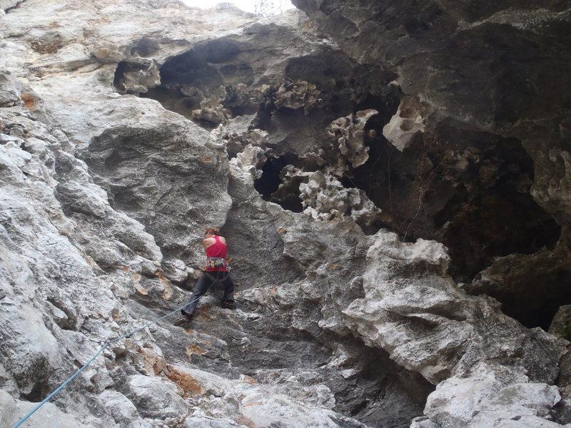 Rock Climbing Photo: Anja headed into the crux of Tufa Rufa.  Yangshuo ...