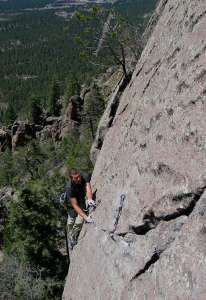 Rock Climbing Photo: Tiptoeing on the edge of the hanging slab.