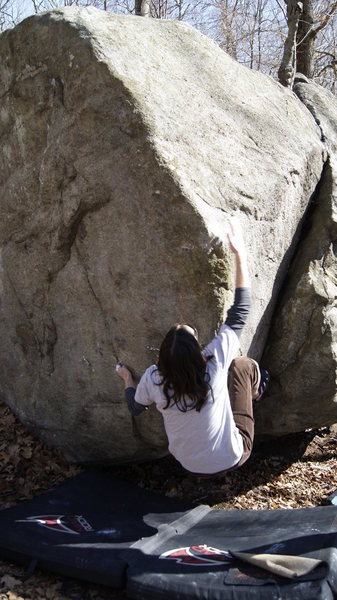 Rock Climbing Photo: Xena Slapping Slopers