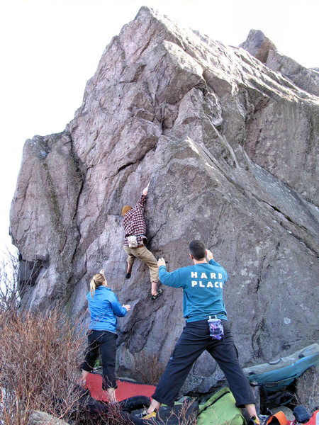 "Sam Stephens on the FA of ""Braveheart"" (Highball V2 X) on the Sunset Boulder, Highlands Area"