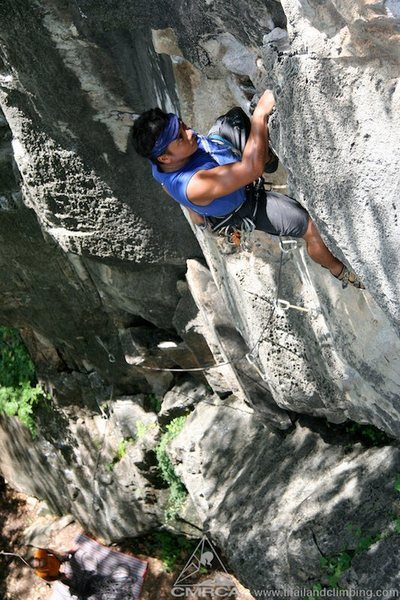 Rock Climbing Photo: Pulling through the pumpy crux on Ayah!