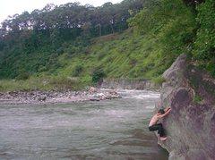 Rock Climbing Photo: traverse along Jorenthang river