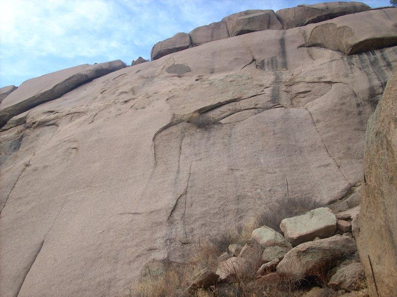 Rock Climbing Photo: Snark Hunt starts below the bushes near a small fl...