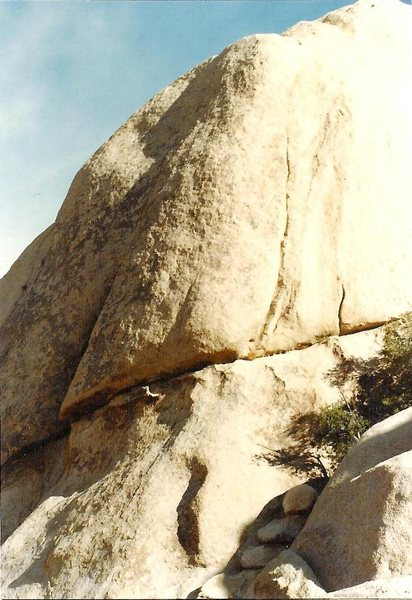 Sargeant Rock and Rock Star, the shallow crack that peters out high up.
