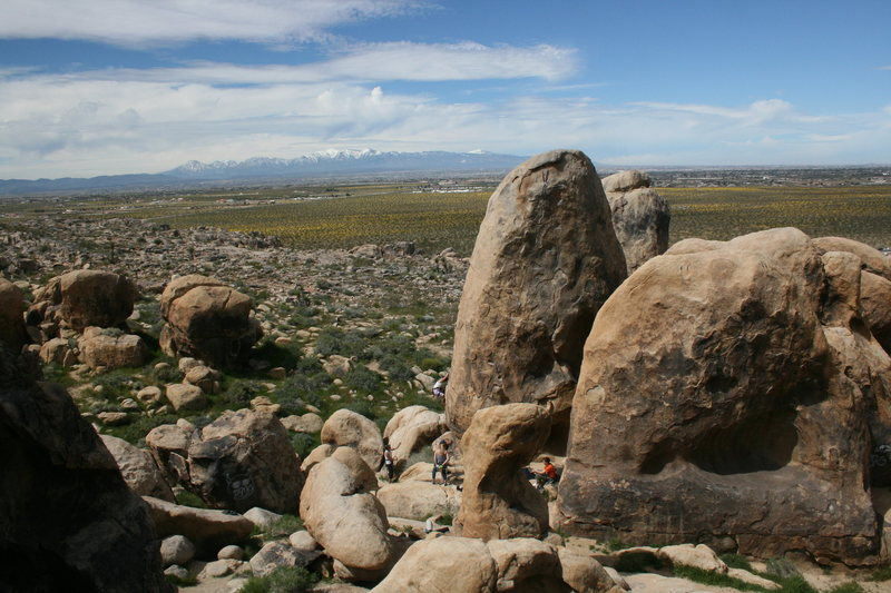 Rock Climbing Photo: Climbers on the Pillar of Hope with Apple Valley a...