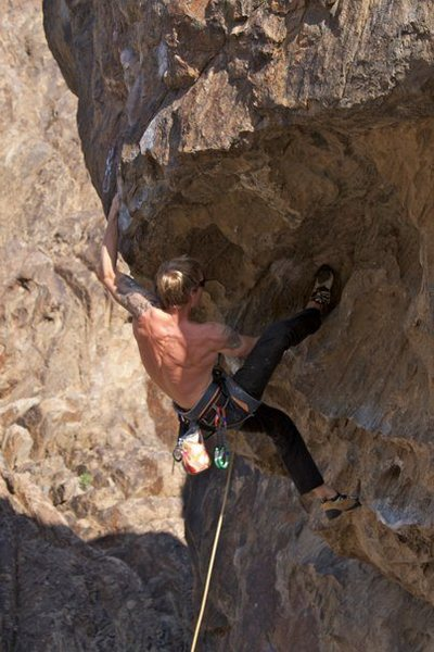 Rock Climbing Photo: Travis Kemp on Red Devil