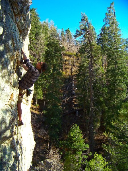 Rock Climbing Photo: Derek on his Onsight...got it clean even with a bl...