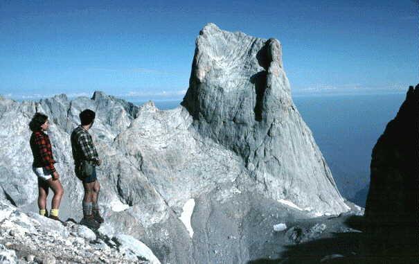 Rock Climbing Photo: Naranjo de Bulnes