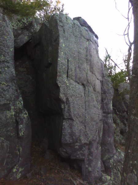 Rock Climbing Photo: Potential boulder problem directly above T Tower. ...