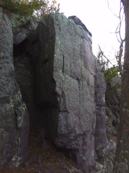 Potential boulder problem directly above T Tower. Good landing.