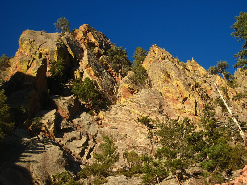 Rock Climbing Photo: Bathed in fading sun, the dihedral of Gambit radia...