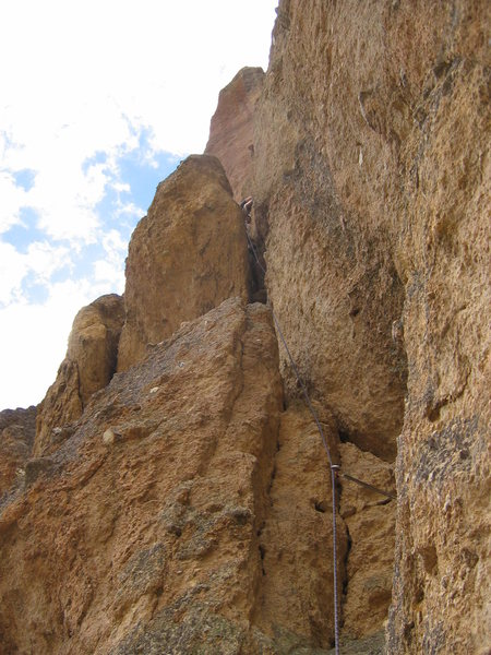 Stuart Meints on &quot;Sky Chimney&quot; at Smith Rock, OR.<br> Photo by: Matt Johnson