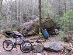 Rock Climbing Photo: The Creekside Boulder. This is the 2nd boulder you...