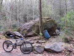 Rock Climbing Photo: Creekside Boulder