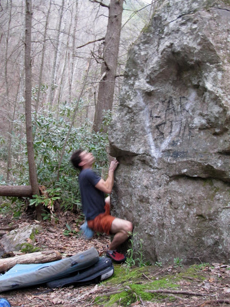 "Aaron James Parlier on ""Trail Days Arete"" (V-2/3)"