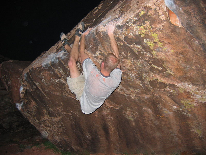 Matt Johnson on &quot;Sloppy Traverse&quot; at Kraft Boulders.<br> Photo by: Nick Judson