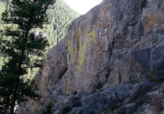 Rock Climbing Photo: Inner Gorilla takes the left most arete on the wal...