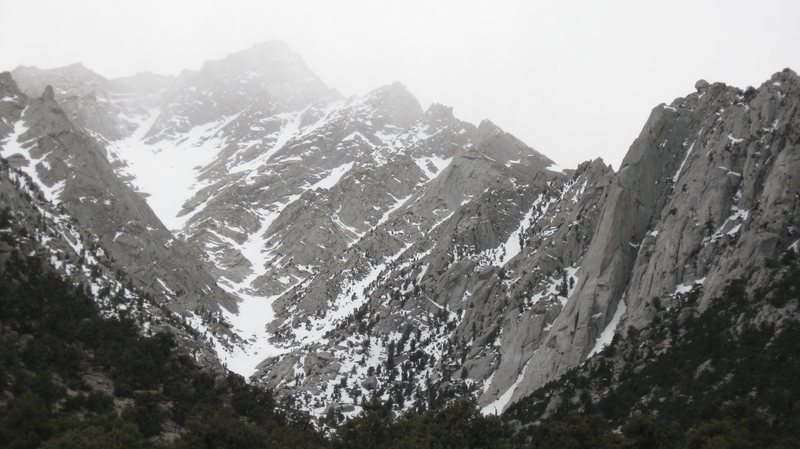 Lone Pine Peak on the left, the Bastille Buttress on the right