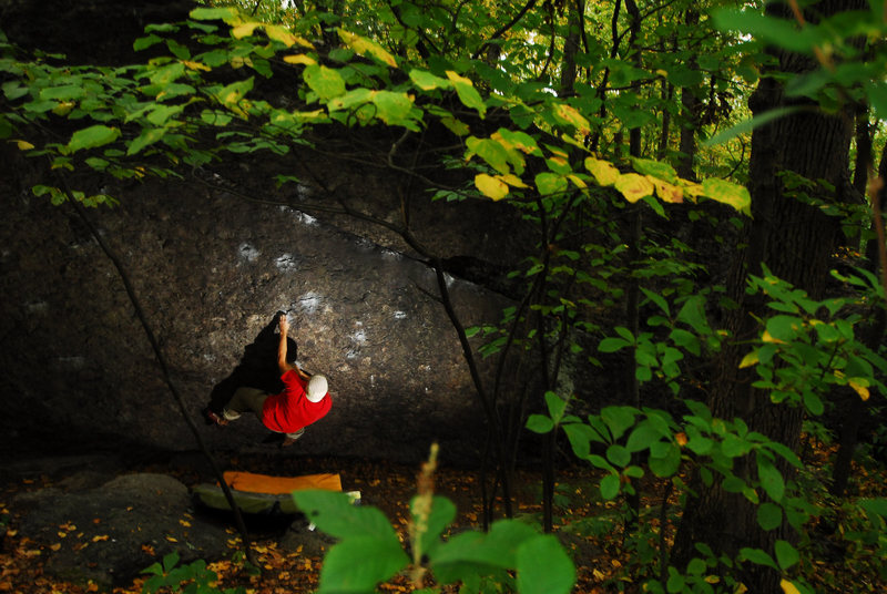 Rock Climbing Photo: Andy on the sit start to the classic Reefer Madnes...