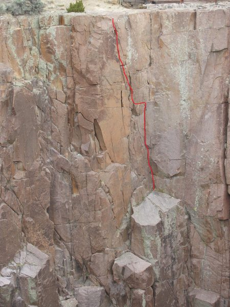 Rock Climbing Photo: Most often climbed from the big ledge. Traverse to...