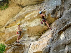 Rock Climbing Photo: Anonymous climber leads Bird Dog while another cli...