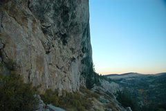 Rock Climbing Photo: Baldwin Creek Cliff, looking east, aroundabouts Tw...