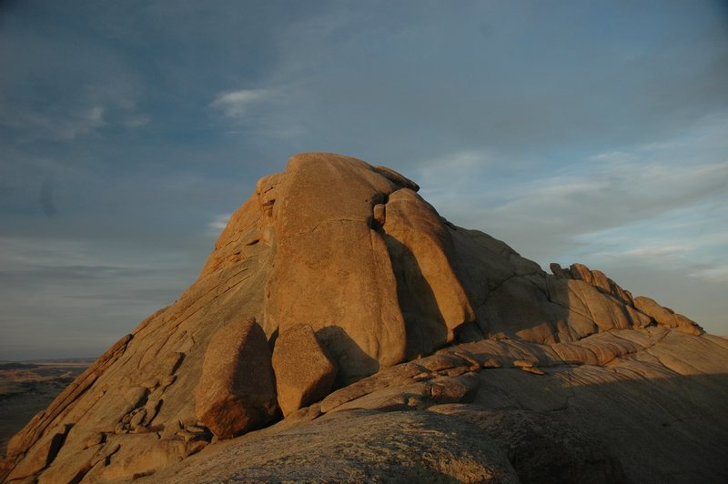 Rock Climbing Photo: Top of the Moonstone.  There are some short trad c...