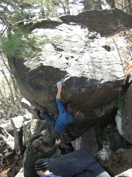 Rock Climbing Photo: Chris Esser making quick work of Tunder Tighs.