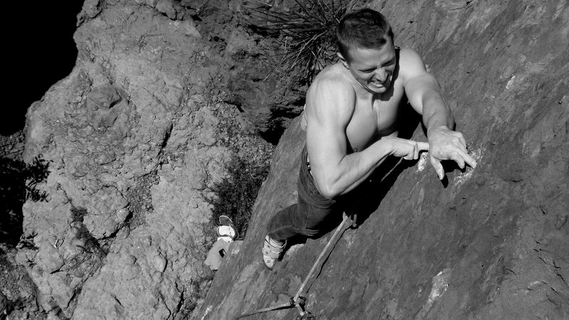 Rock Climbing Photo: Joey pulls the double mono crux on Java