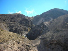 Rock Climbing Photo: Photo shows trail on the way to the false summit.