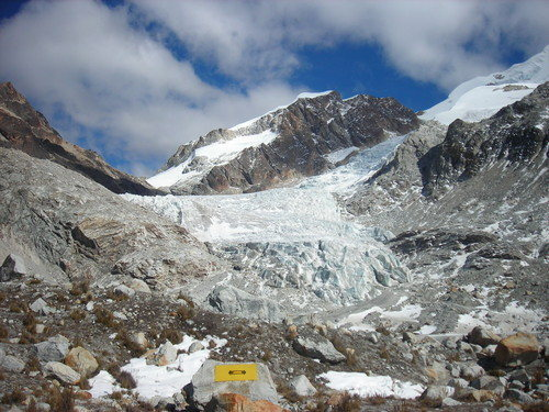 The Huayna glacier along the approach to the refugio.