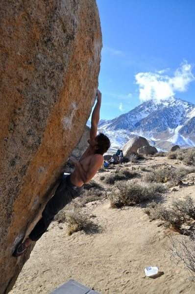 Max Krimmer on Soul Slinger (V9)<br> Buttermilks, Bishop<br> <br> Photo: Eli Michaels