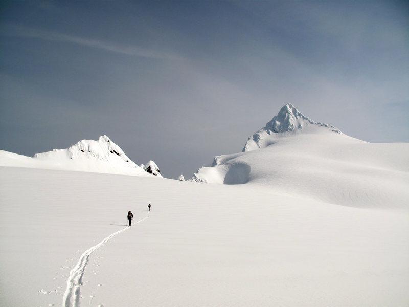 Ski ascent via Sulphide Glacier on May 13, 2011