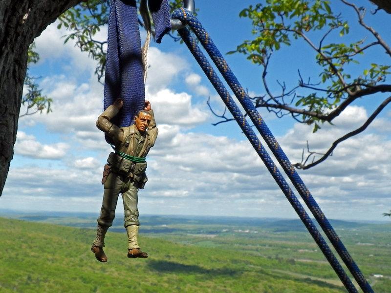 KARMIC RELIEF: Sgt.Figurine