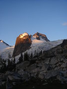 Rock Climbing Photo: First light on Houndstooth.