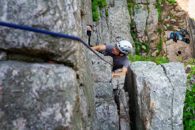 Rock Climbing Photo: Coming up the first pitch of Ye Gods.