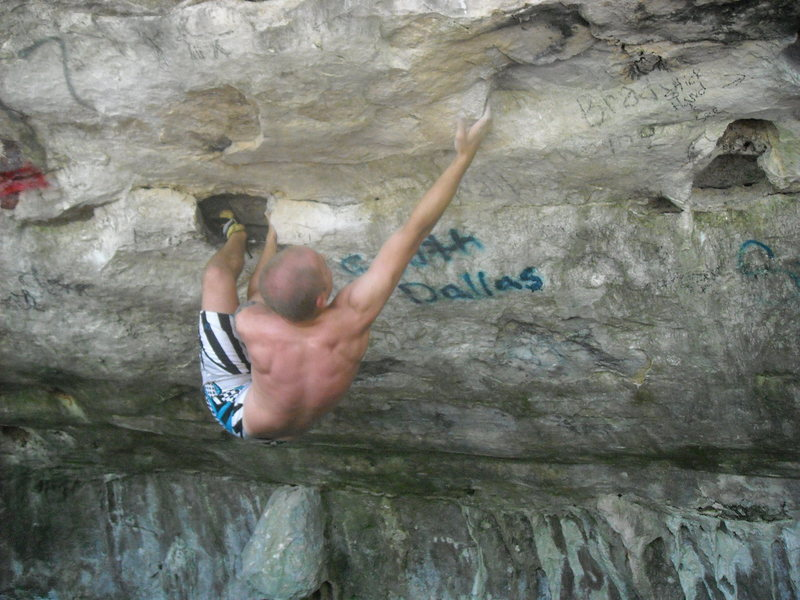 Rock Climbing Photo: Making the first move on Craw Magnen.