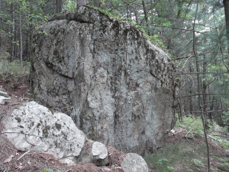 This boulder is just past Super Slab and is about the same size as the Cube.  It could have some killer potential but...<br> 1. it needs lots of cleaning<br> 2. it's a bit farther than many other boulders<br> either way, it looks fun.