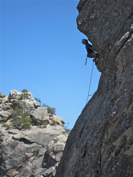 Rock Climbing Photo: JSt moving over the roof with aplomb!