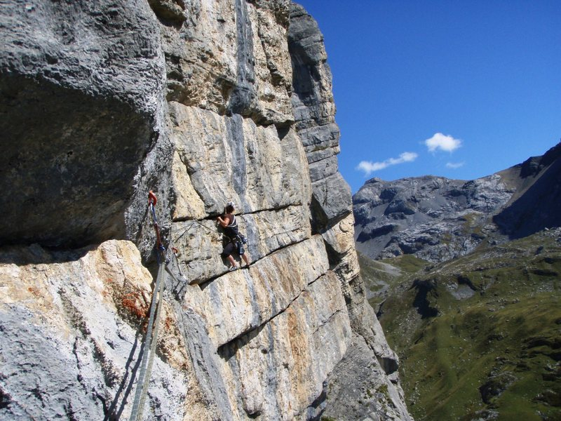 The traversing pitch of Abendrot, from the anchor near the end of pitch four on Highlight.