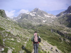 Rock Climbing Photo: Well into the approach, with a fair bit of distanc...