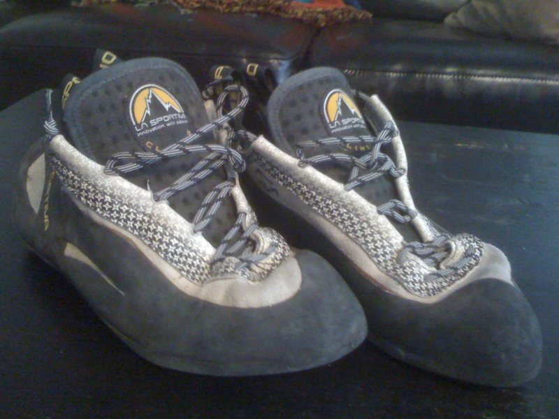 Rock Climbing Photo: sportiva women's miuras, size 40 (us men's 7.5)