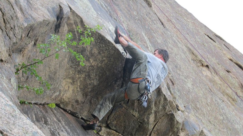 Pulling the roof on the Johnson Route, Silver Cascade Slab.<br> <br> photo by Tony Christopher