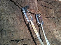 Rock Climbing Photo: Classic knife blade anchor on the top of pitch 4 o...